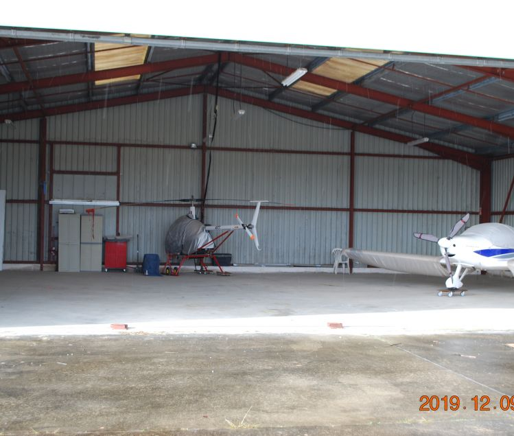 PLACES DE HANGAR
