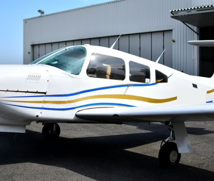 PIPER PA-28 RT-201 T