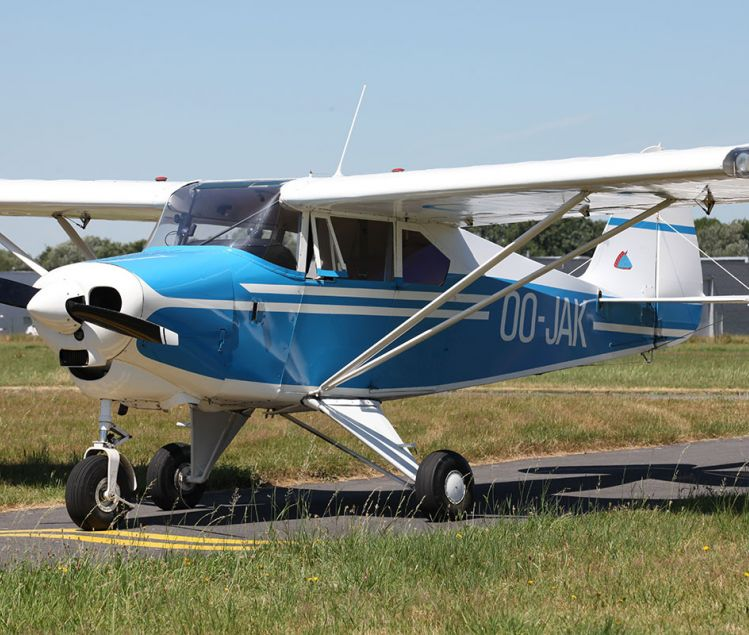 PIPER TRI-PACER PA22